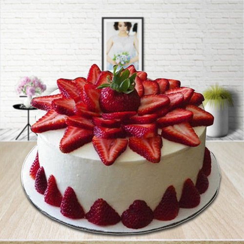 Wholesome Treat of 2 Kg Strawberry Cake