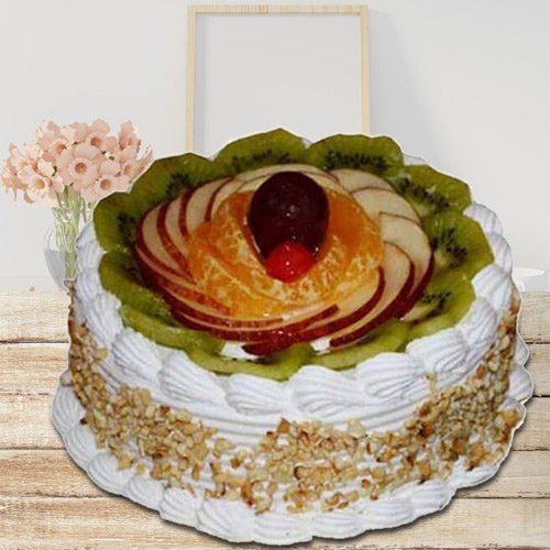 Yummy Treat of 1 Kg Fresh Fruit Cake