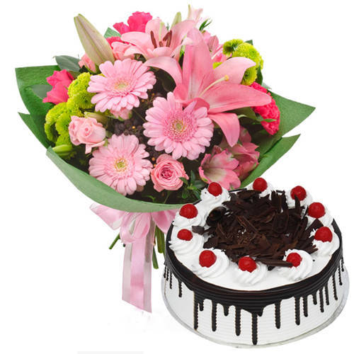 Tender One Doz Mixed Flowers Hand Bunch with Black Forest Cake