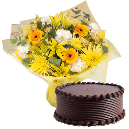 Pristine Mixed Flowers Hand Bunch with Eggless Chocolate Cake