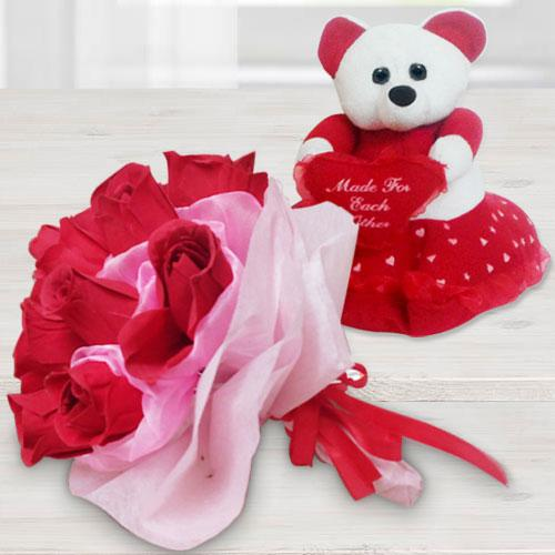 Resplendent Teddy Bear with Rose Bouquet