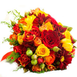 Stylish Picture Perfect Bouquet of Mixed Flowers
