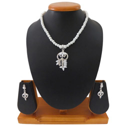 Outstanding White Pearl Styled Necklace Set