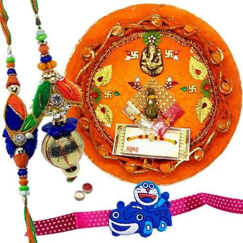 Captivating Combo of Rakhi Thal With Family Rakhi Set