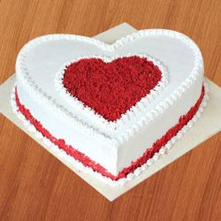 Delicious fresh Love Cake