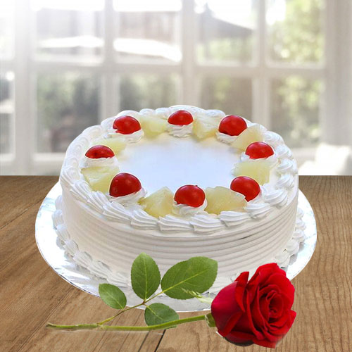 Buy Online Vanila Cake and Red Rose