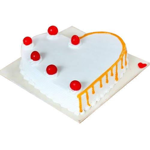 Online Deliver Vanilla Cake in Heart Shape