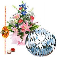 Bouquet of Seasonal Flowers and 1/2 Kg. <font color=#FF0000>Haldiram</font>'s Kaju Katli