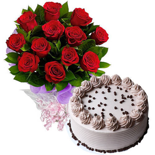 Order Online Coffee Cake with Red Roses Bouquet