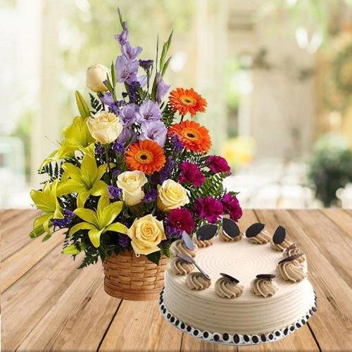 Buy Coffee Cake N Mixed Floral Arrangement Online