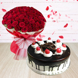 Fashionable 50 Red Roses Arrangement with 1/2 Kg Black Forest Cake