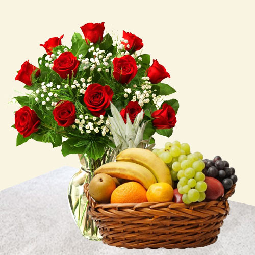 Online Order Red Roses Bunch with Fruits Basket
