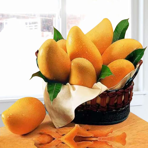 2 Kg. Good Quality Mangoes decorated in Basket