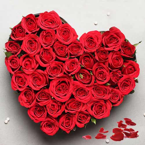 Online Deliver Heart-Shaped Arrangement of Red Roses
