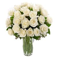 Shop Online White Roses in a Glass Vase