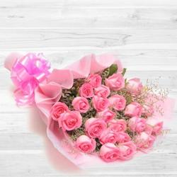 Modern Heartfelt Sentiments Bouquet of 30 Peach/Pink Roses
