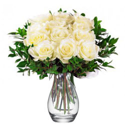 Deliver Online White Roses in a Vase<br>