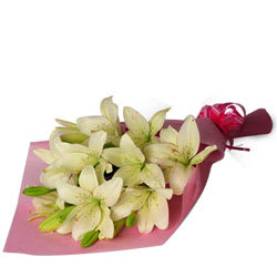 Send Online Bunch of White Lilies