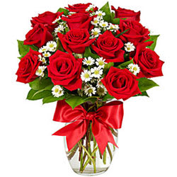 Gift Online Red Roses in a Glass Vase