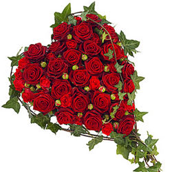 Gift Deliver Arrangement of Heart Shape Red Roses