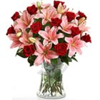 Daunting Blossoms in an Enticing Premium Arrangement