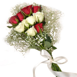 Online Bouquet of Red N White Roses