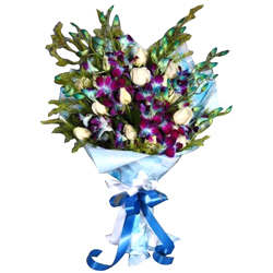 Book Online Bouquet of Roses N Orchids