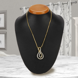 Fabulous Ayla Double Knot Neck piece with Chain