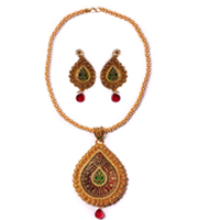 Classy Gold Necklace Set with Meenakari Pattern