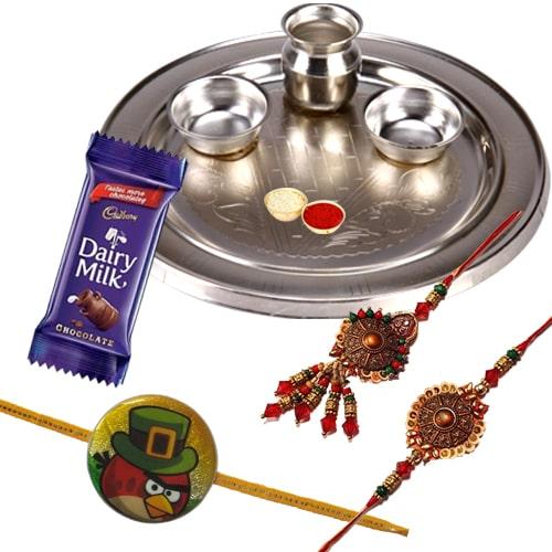 Enticing Rakhi Family Set